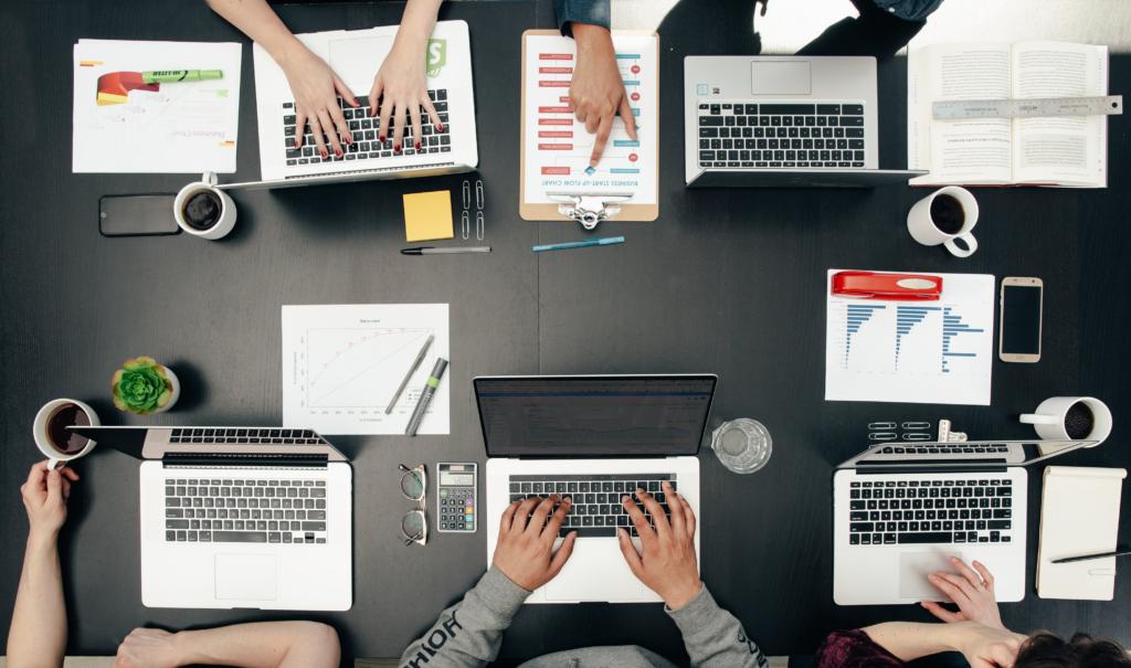 Ateliers et prestations en entreprises, collectivités, associations et comités